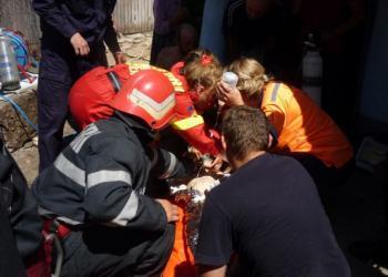 Copilul cazut intr-o fantana  cu apa sau  copilul cazut intr-o fantana cu milioane de euro. sursa: adevarul.ro