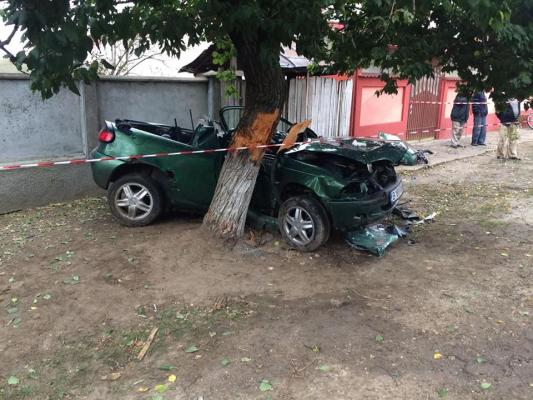 Tragedie in comuna Lita! Doi tineri ucisi de viteza!