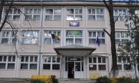 Trebuie deschis dosar in cazul copilasului care a cazut pe geam la Scoala Gimnaziala nr.4?